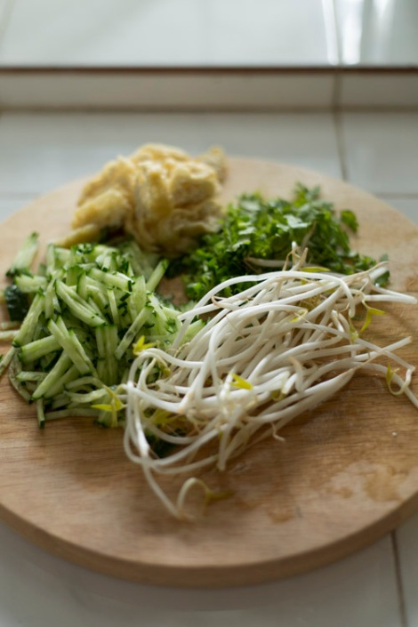 Bean sprouts & cucumber
