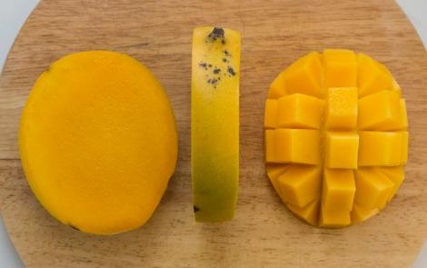 Mango Cheeks